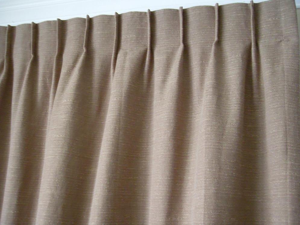 Крепление шторы на одно-рожковый крючок в застроченные складки шторы