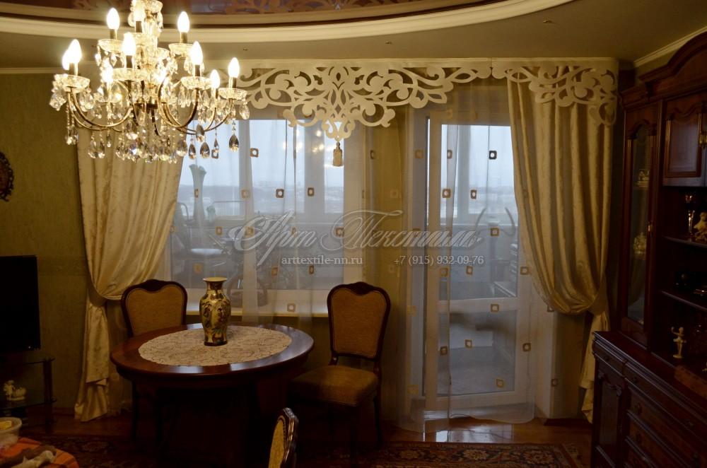 Ажурный ламбрекен для классической гостиной