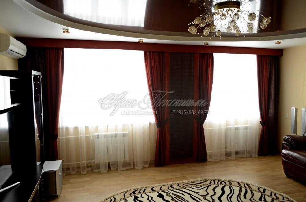 Красные шторы с ромбами для гостиной