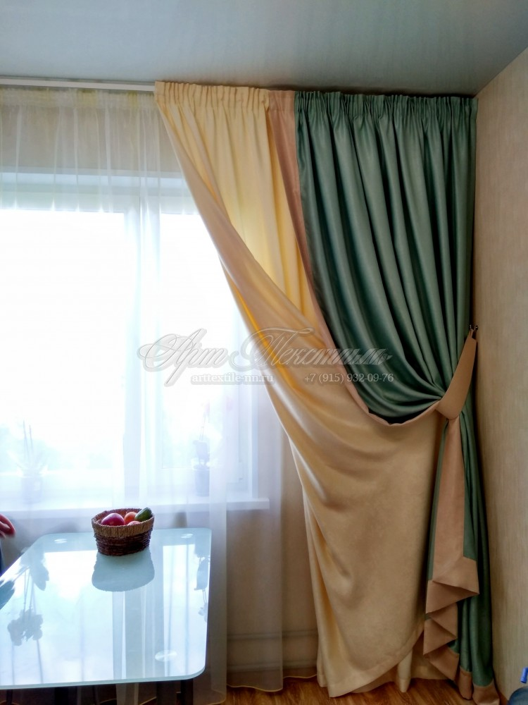 Портьеры с отделкой и подшторником и тюль, бирюзовый цветПортьеры с отделкой и подшторником и тюль, бирюзовый цвет