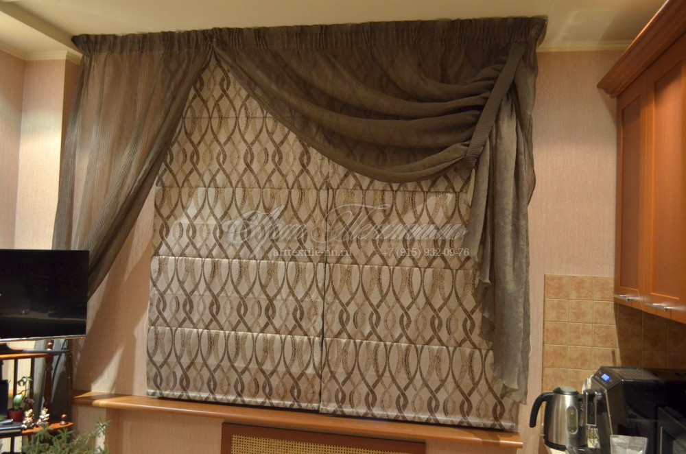 """Римская штора с декоративным оформлением тюлем из ткани """"плиссе"""""""