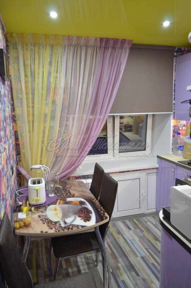 Рулонная штора с декоративным оформлением