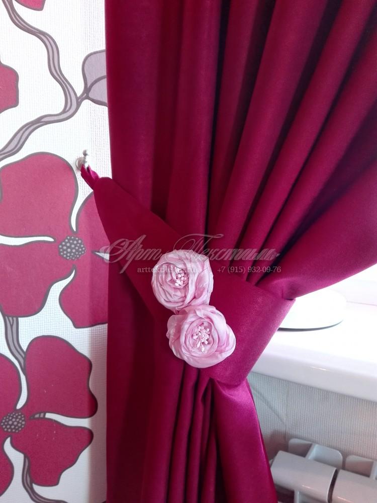 Подхват для шторы с искусственными розами
