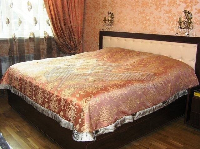Покрывало в классическую спальню