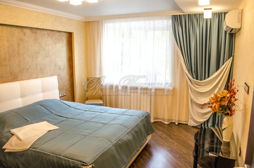 """Спальная комната """"Море и песок"""".Бирюзовый цвет, покрывало, спальня, шторы на подкладке."""