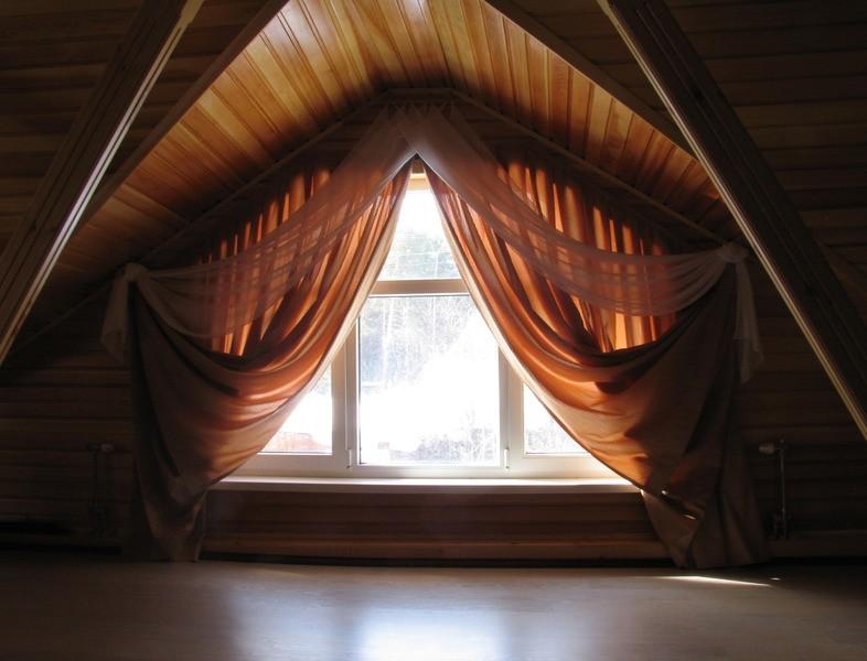 Тюль на треугольное окно фото