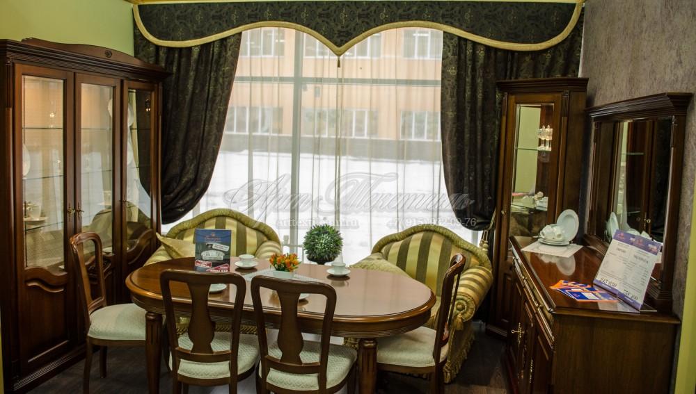 Декоративные шторы для мебельного салона