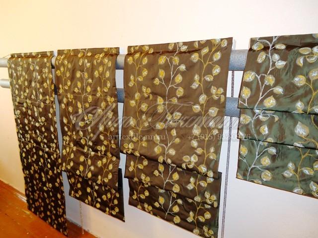 Римские шторы на подкладке для лоджии