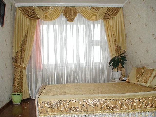 Ламбрекен26 бежевый спальня
